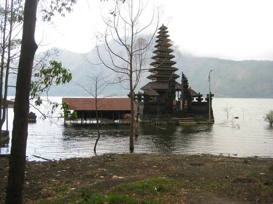 Lakeview Ecolodge: The Temple of Water - at the Lake