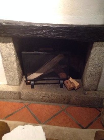 Inkaterra Machu Picchu Pueblo Hotel : fireplace