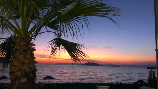 Kaan Hotel: sunset in calis