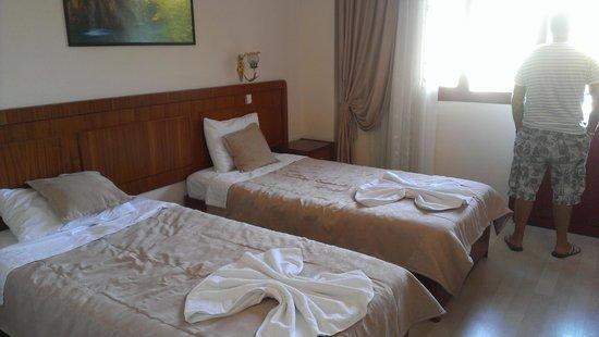 Kaan Hotel: clean room