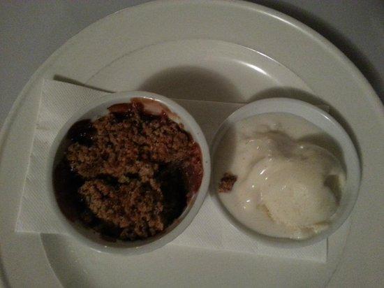 Onshore Restaurant: Warm rhubarb and apple crumble with vanilla ice cream