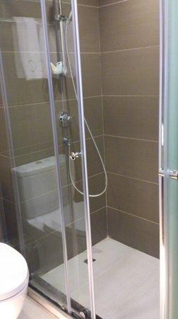 Casa Deluxe Hotel: シャワーのみです