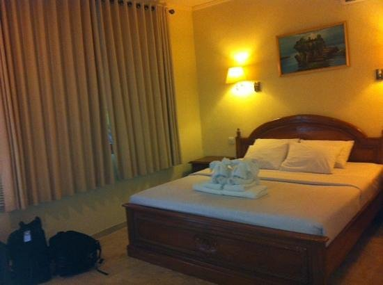 Green Garden Hotel: main bed in family room