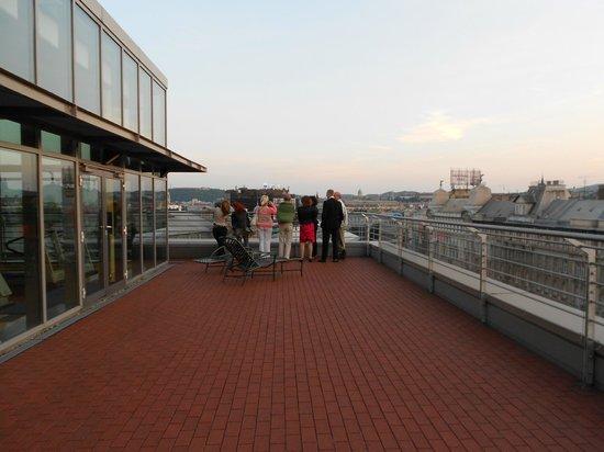 Hilton Budapest City : Saon VIP à l'extérieur