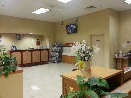 Days Inn & Suites Niagara Falls/Buffalo: Breakfast Area 2