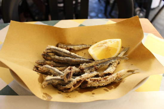 Gino 51: Fried anchovies
