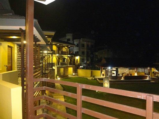 The Lakeside Retreat: Hotel