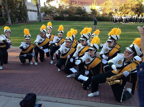 California Polytechnic University: The Mustang Band serenades during Parents Weekend