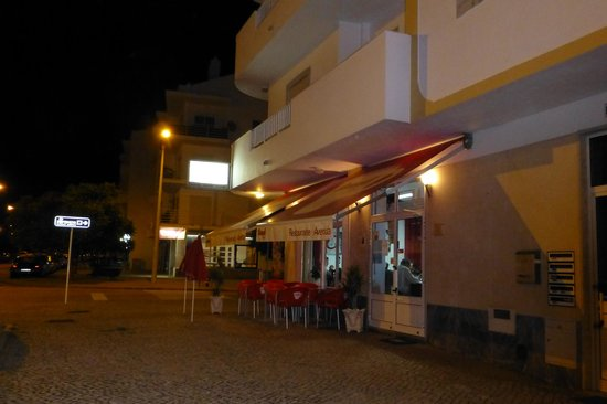 Sao Bras de Alportel, Portugal : The street at the front of the restaurant