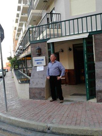 Euroclub Hotel: Wejście do hotelu.