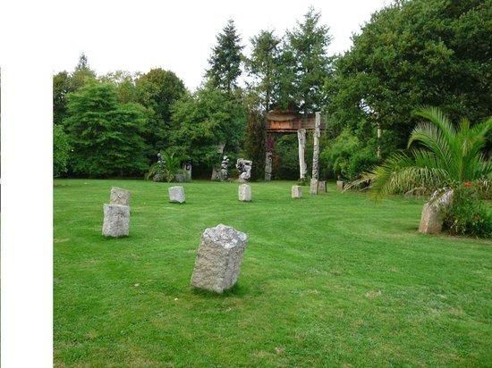 Les Cabanes du Jardin de Pierre : La cabane pour 4 vue du parc