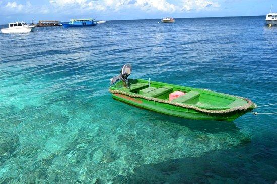 Fihalhohi Island Resort: Пристань