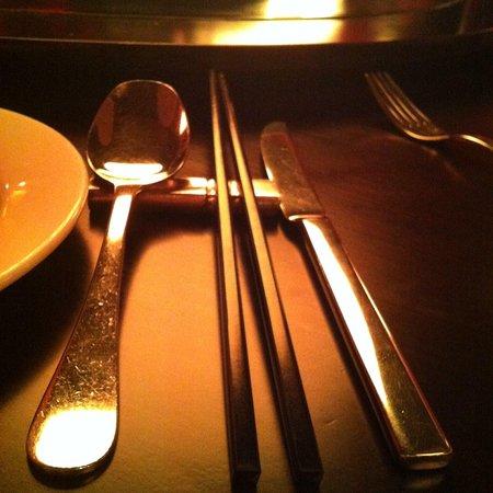 San San China Restaurant : Chopstics