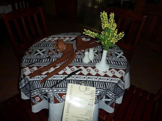 Nadi Bay Resort Hotel : beautiful tables