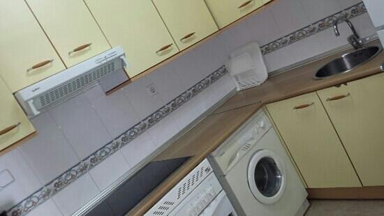 Larimar Apartments: cocina