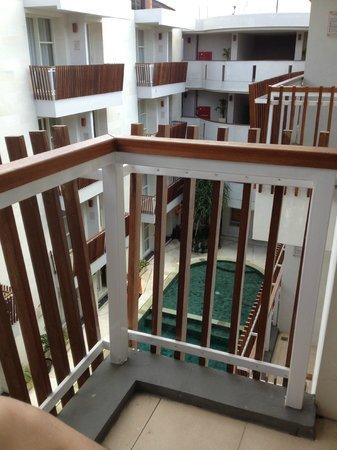 Adhi Jaya Sunset Hotel : b