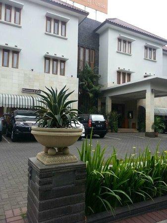 New Sany Rosa Hotel: r