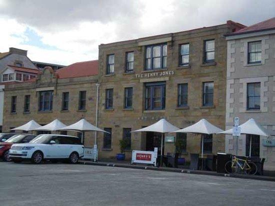 The Henry Jones Art Hotel : hotel