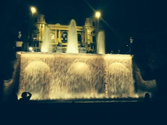 California Palace: magic fountains