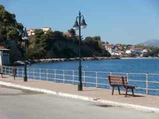 Iris Studios : Sea front walk Edipsos