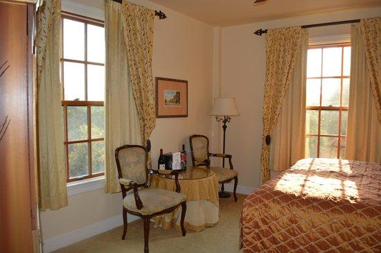 Montecito Inn: Better room, THANKS less noise and made the stay memorable