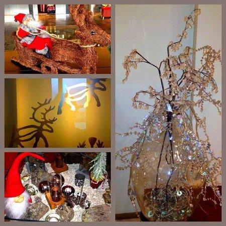 Santa's Hotel Santa Claus: Аксессуары в интерьере отеля, они везде! Так волшебно!