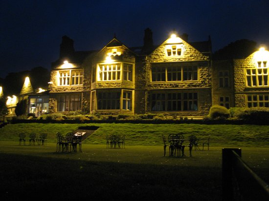 Hollins Hall Marriott Hotel & Country Club: night views