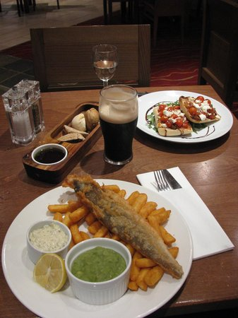Hollins Hall Marriott Hotel & Country Club: fish and chips at zest