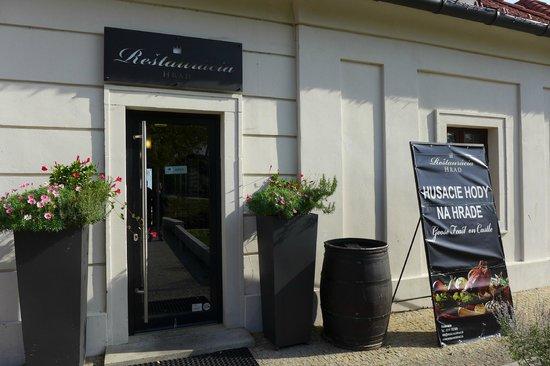 Restauracia Hrad: front
