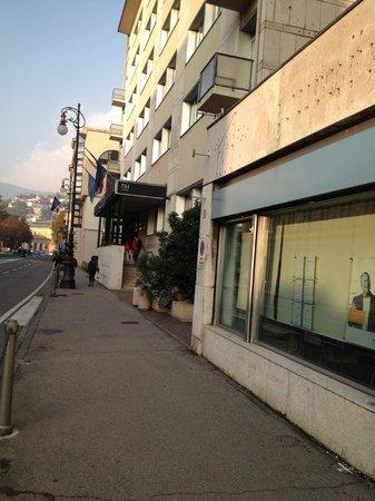 NH Trieste: Ingresso dall'esterno