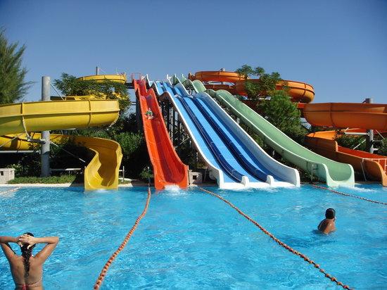 Kervansaray Hotel Kundu: Water Slides in the Hotel
