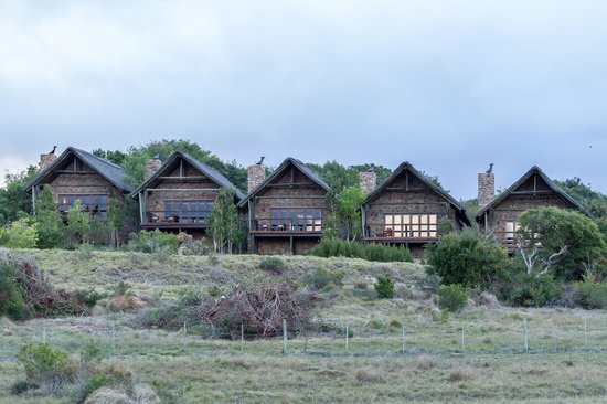 Kwantu Private Game Reserve: A view of the exclusive cottages