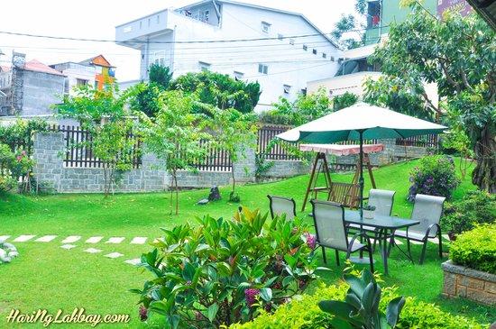Hoang Loc Villa Hotel: Surrounding