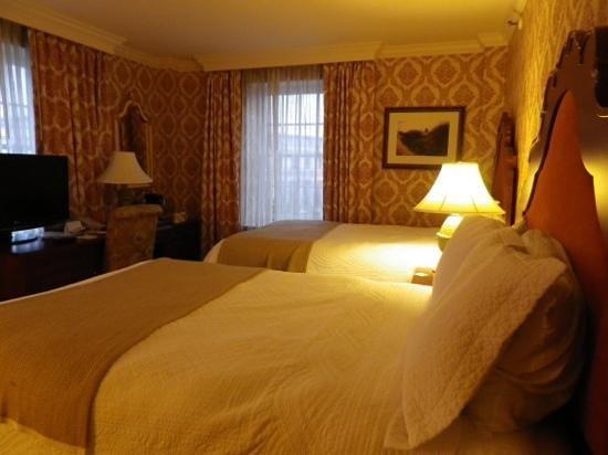 Phoenix Park Hotel: Lovely corner room
