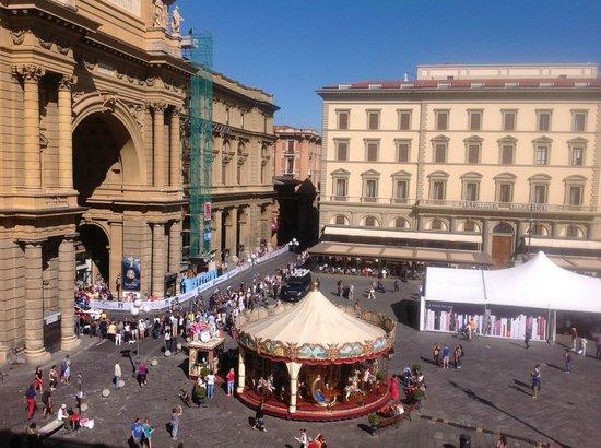La Dimora del Centro: View of Piazza from Green Room
