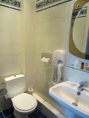 Hotel des Bains: Bathroom
