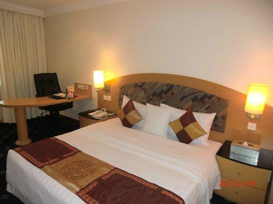 Hanoi Fortune Hotel: ベッド