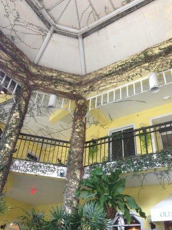 Old Naples Pub: cadre