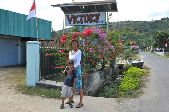 Victoria Hotel Tentena : good pl;ace to stay near Poso with good trekking options!
