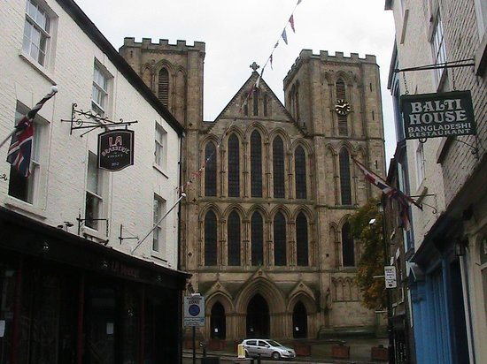 Ripon Cathedral: Outside the cathedral