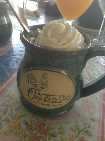 Over Easy Café: chocolat chaud