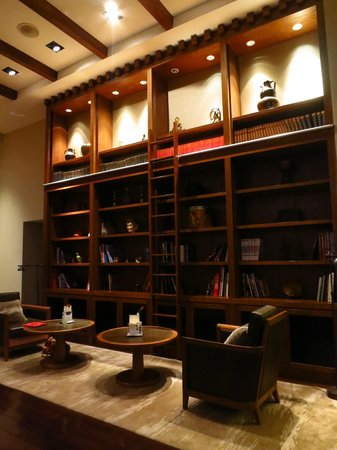 St. Regis Lhasa Resort: lobby