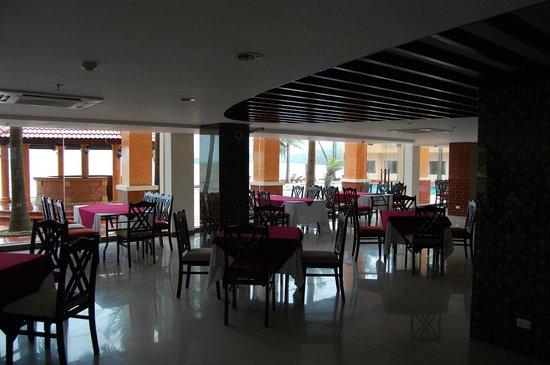 Hon Trem Resort & Spa : Dinning