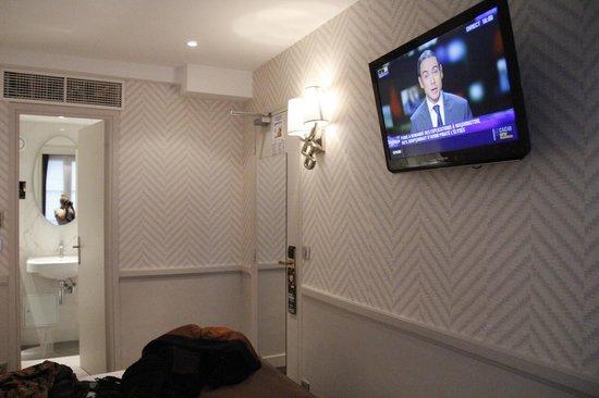 Hotel Longchamp Elysees : chambre conforme aux photos