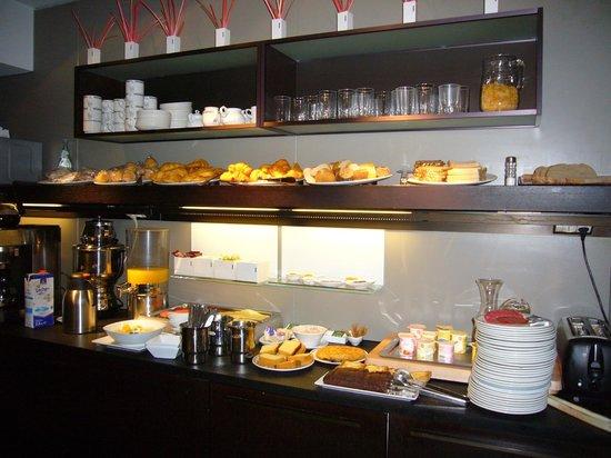 Hotel Zaragoza Plaza: desayunos