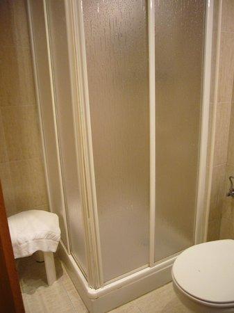 Hotel Zaragoza Plaza: baño