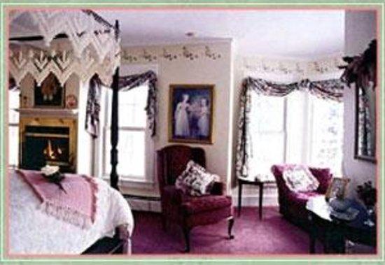 Bradford, NH: Abigail Adams Suite