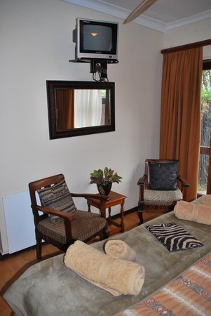 Dungbeetle River Lodge : BUFFALO SUITE Sitzen