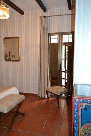 Palacio de Santa Ines : bedroom balcony