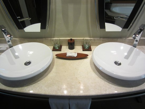 Trou aux Biches Beachcomber Golf Resort & Spa: His and hers sinks